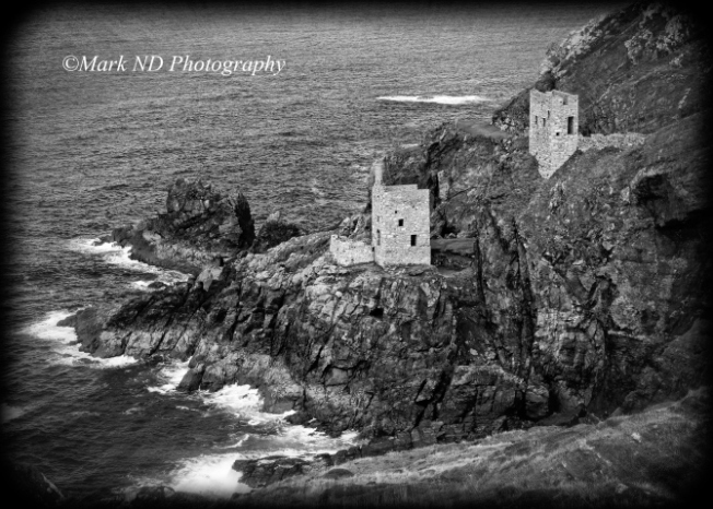THE-CROWN-MINES-BOTALLACK-CORNWALL-HOLGA-BLACK-AND-WHITE-AR61